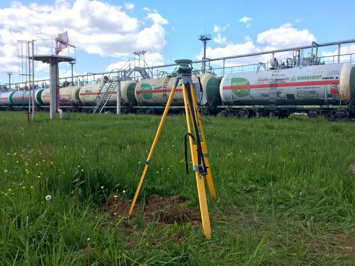 Engineering surveys, photo of the surveying objects with a GPS receiver